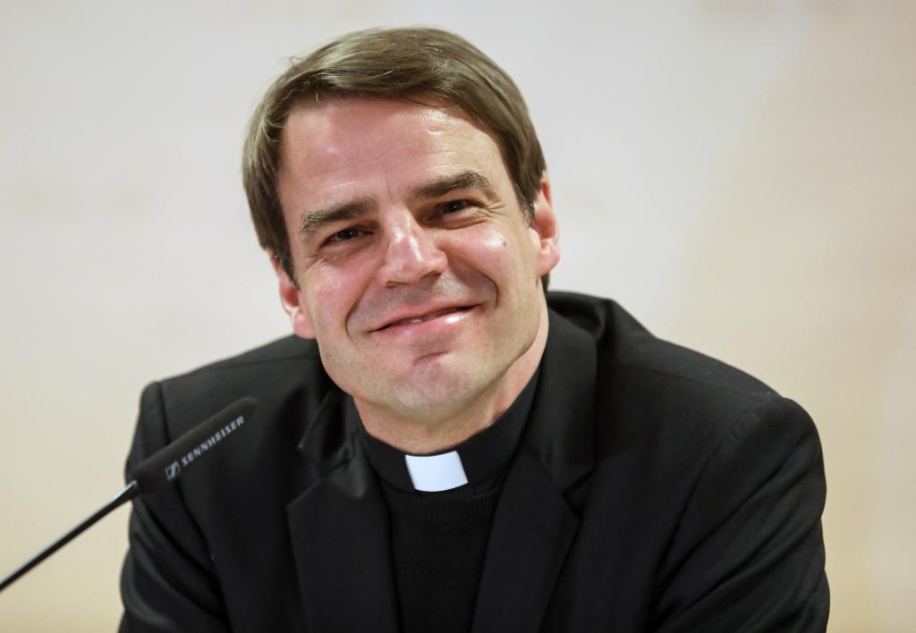 Bischof Oster Lebensgefährtin